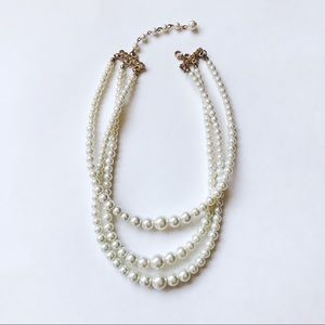 Jewelry - Triple strand faux pearl necklace